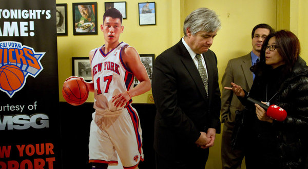 At a Chinatown restaurant, Dan Ronayne of MSG Networks talked with fans who are missing TV coverage of the Knicks and their breakout star, Jeremy Lin.